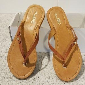 Aldo flip flops size 7.5 nwt